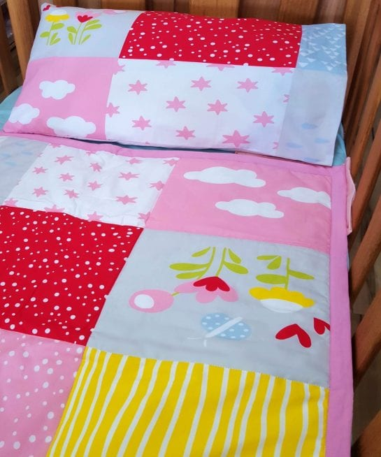 organic-cotton-comforter-set-cot-rainbow-design